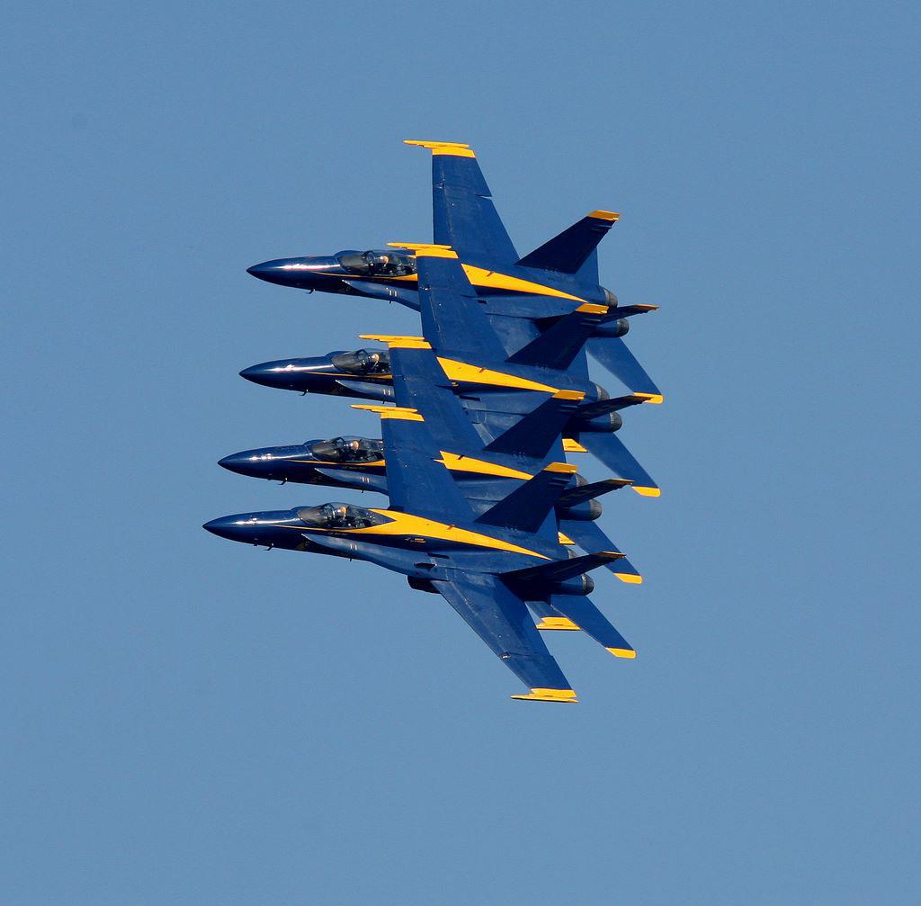 IMAGE: http://properaexplora.com//Fleet_Week_Starred/images/img_3249.jpg